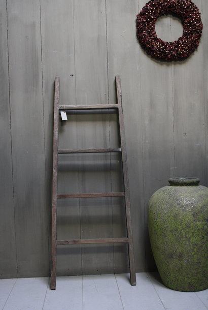 Oud houten ladder 1  Aura Peeperkorn 140 cm