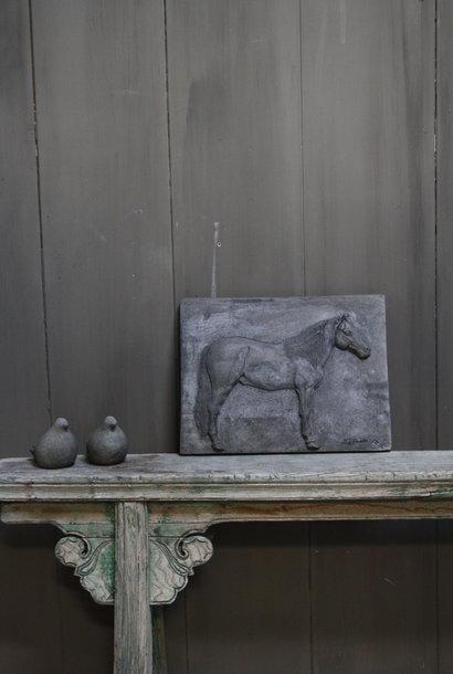 Wandpaneel/lijst Aura Peeperkorn beton met paard 36 cm