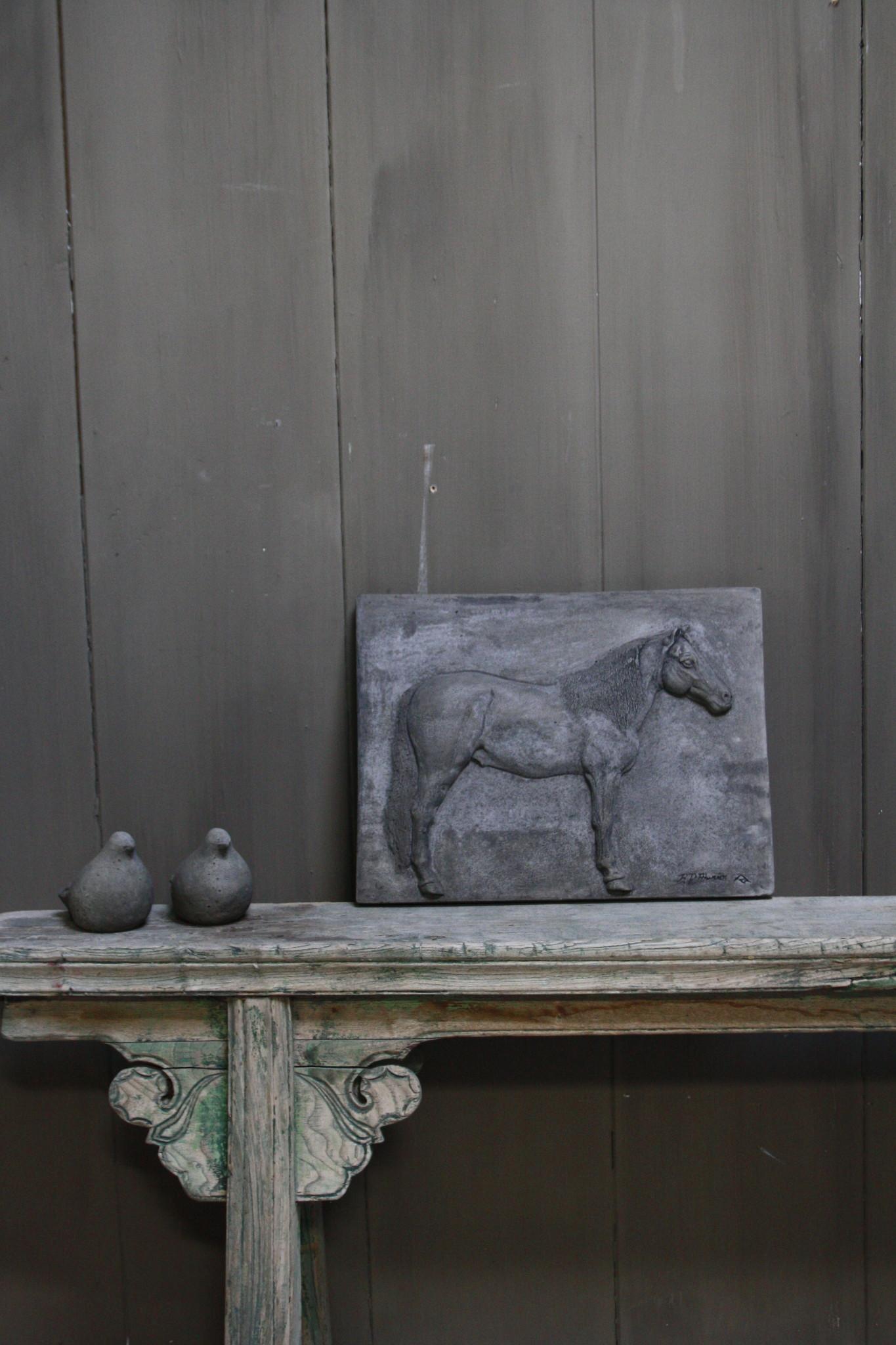 Wandpaneel/lijst Aura Peeperkorn beton met paard 36 cm-1
