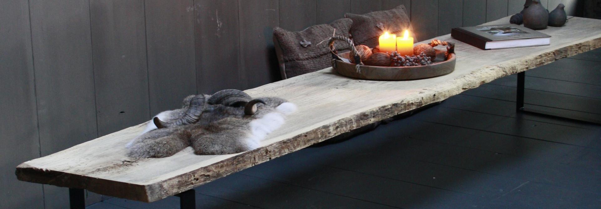 Oud eikenhouten salontafel 250 cm ijzeren onderstel