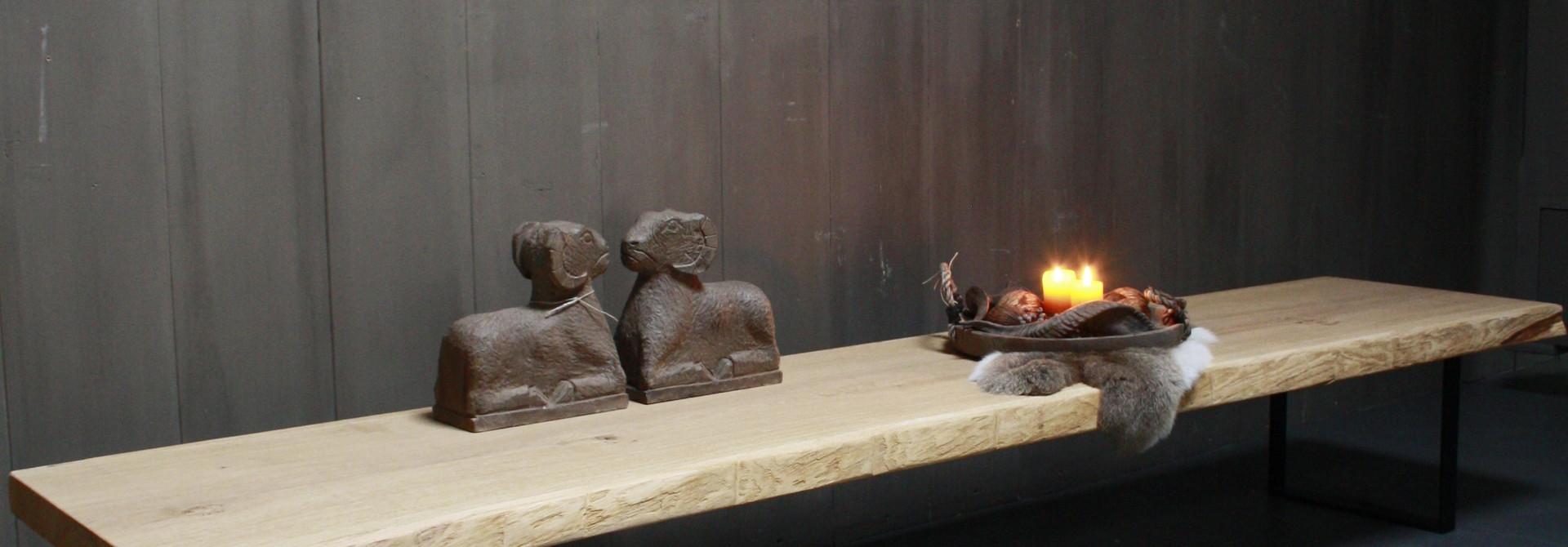 Eikenhouten salontafel met ijzeren onderstel 250 cm