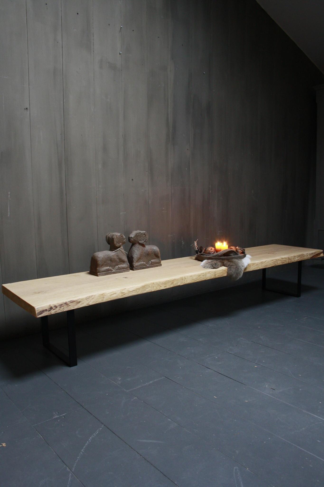 Eikenhouten salontafel met ijzeren onderstel 250 cm-1