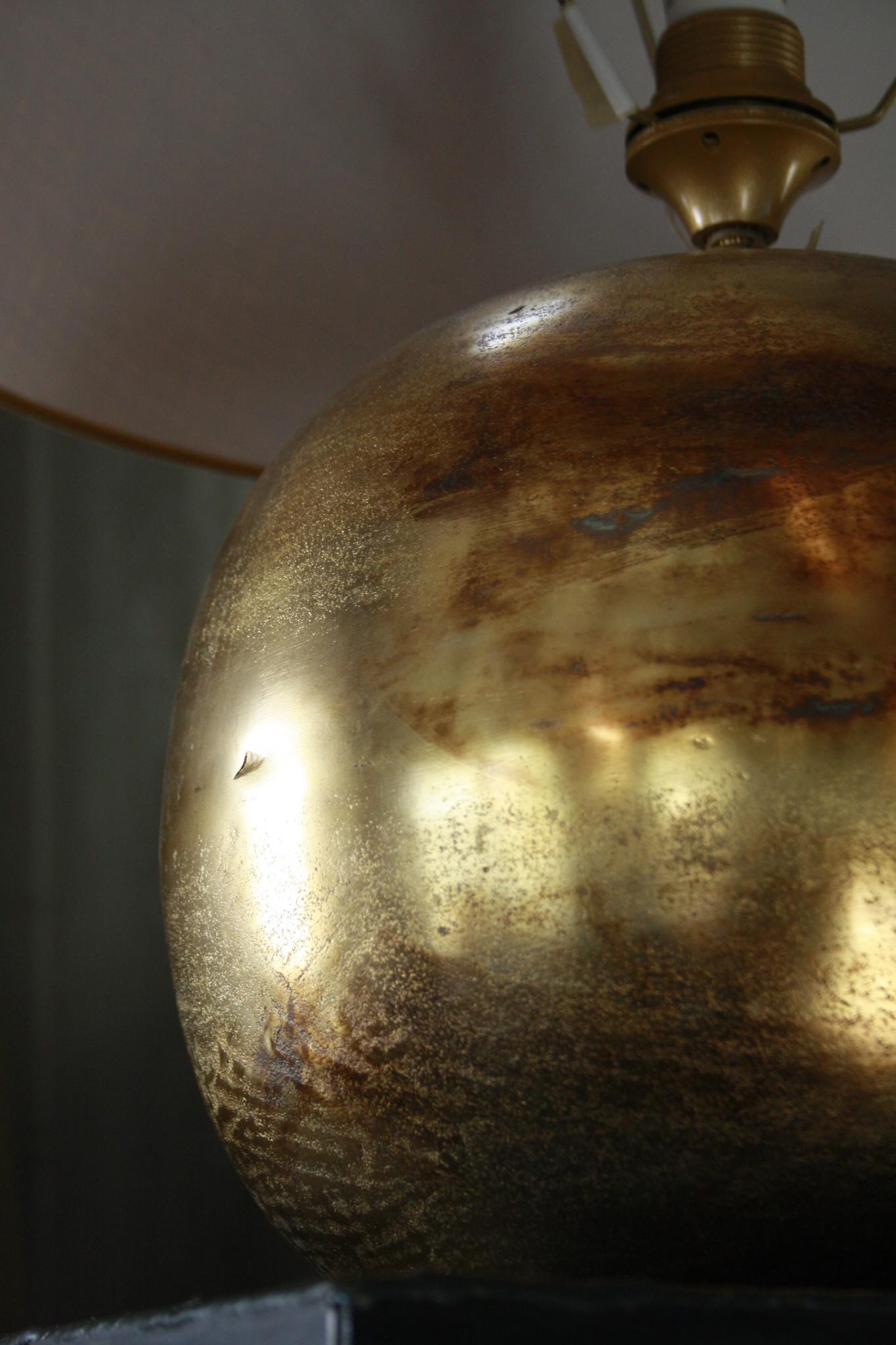 Goudkleurige tafellamp met warmkleurige kap 55 cm-3