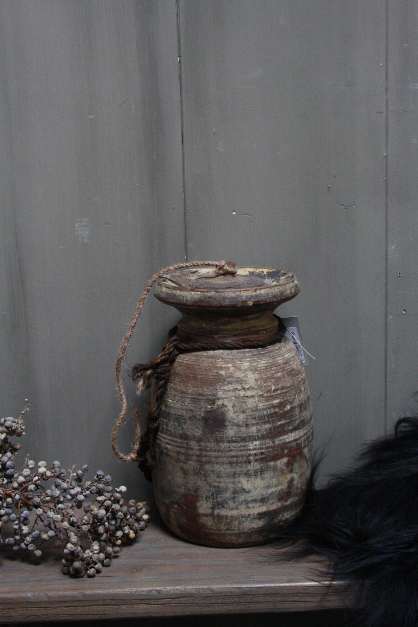 Oud Houten Kruik Nepal - Wooden Nepal Pot 28 cm-1