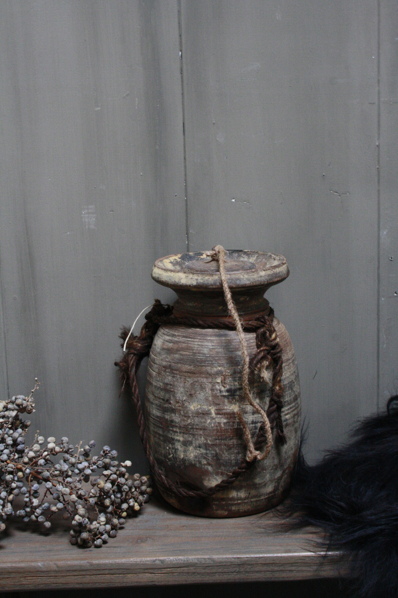 Oud Houten Kruik Nepal - Wooden Nepal Pot 28 cm-2