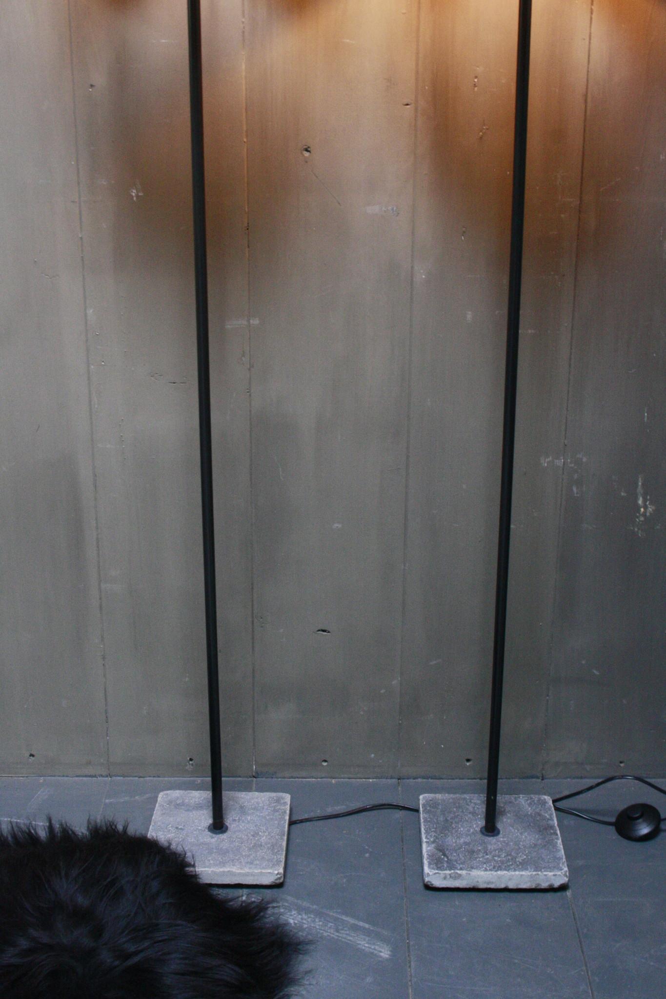 Vloerlamp 120 cm velvet robbs/taupe + natuurstenen voet-6