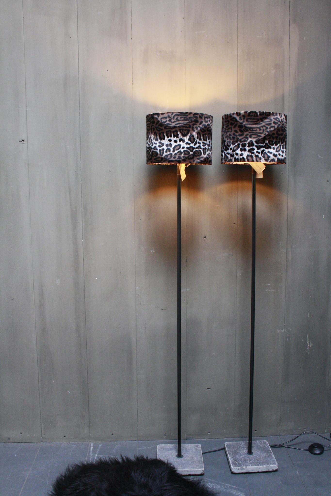 Vloerlamp 120 cm velvet luipaard/panterprint + natuurstenen voet-1
