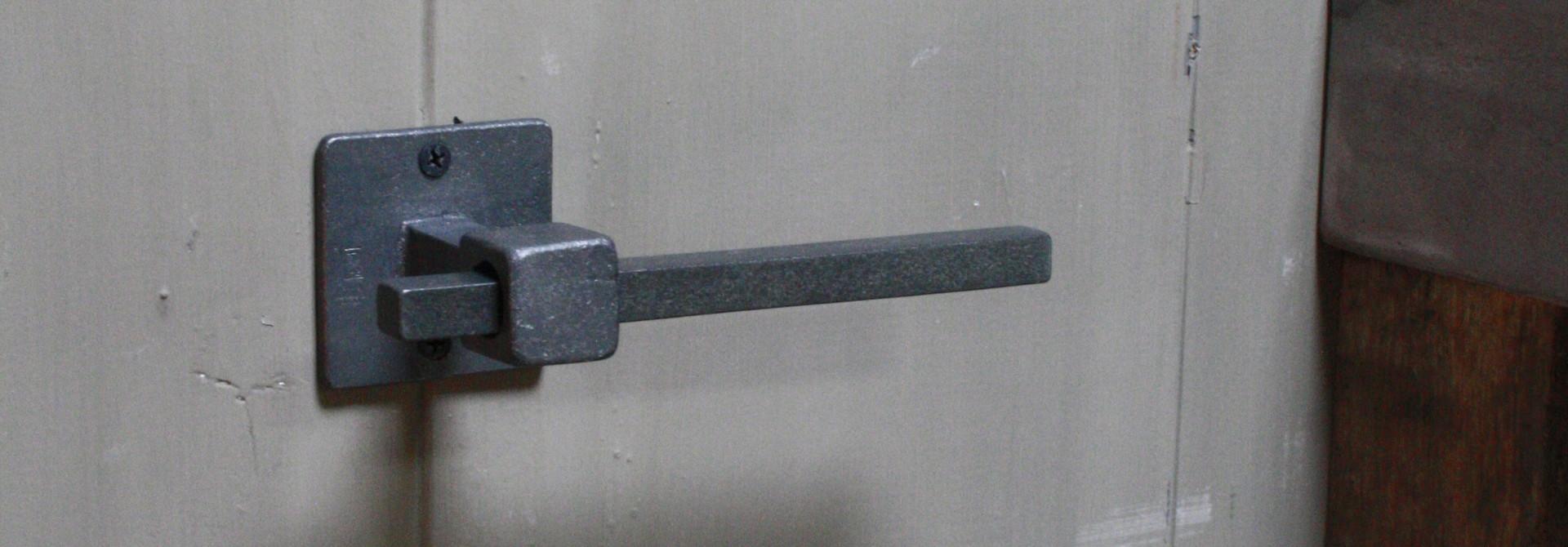Moderno Nero Toiletrolhouder 15 cm
