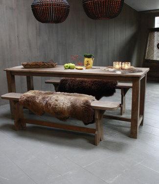 Rene Houtman Oud houten eetkamer set met 2 houten bankjes