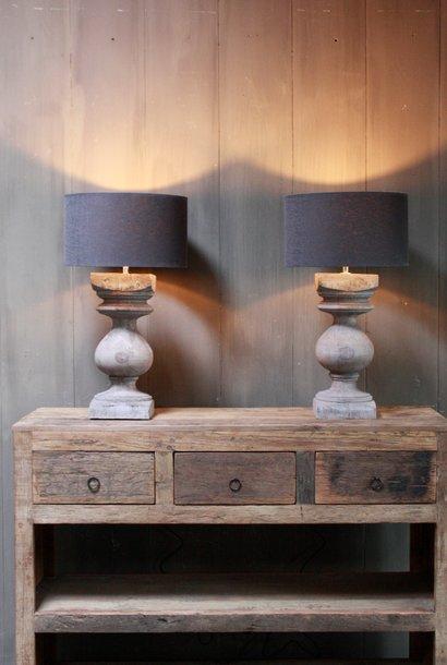 Grijze houten balusterlamp met kap antraciet
