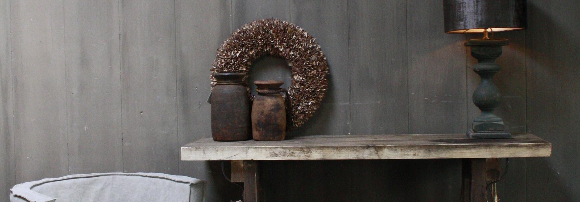 Massief oud houten wandtafel/sidetable Liedi