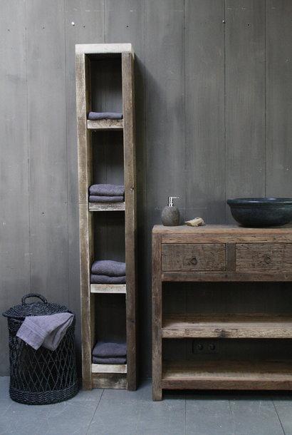Massief oud houten badkamerkast/handdoekenkast