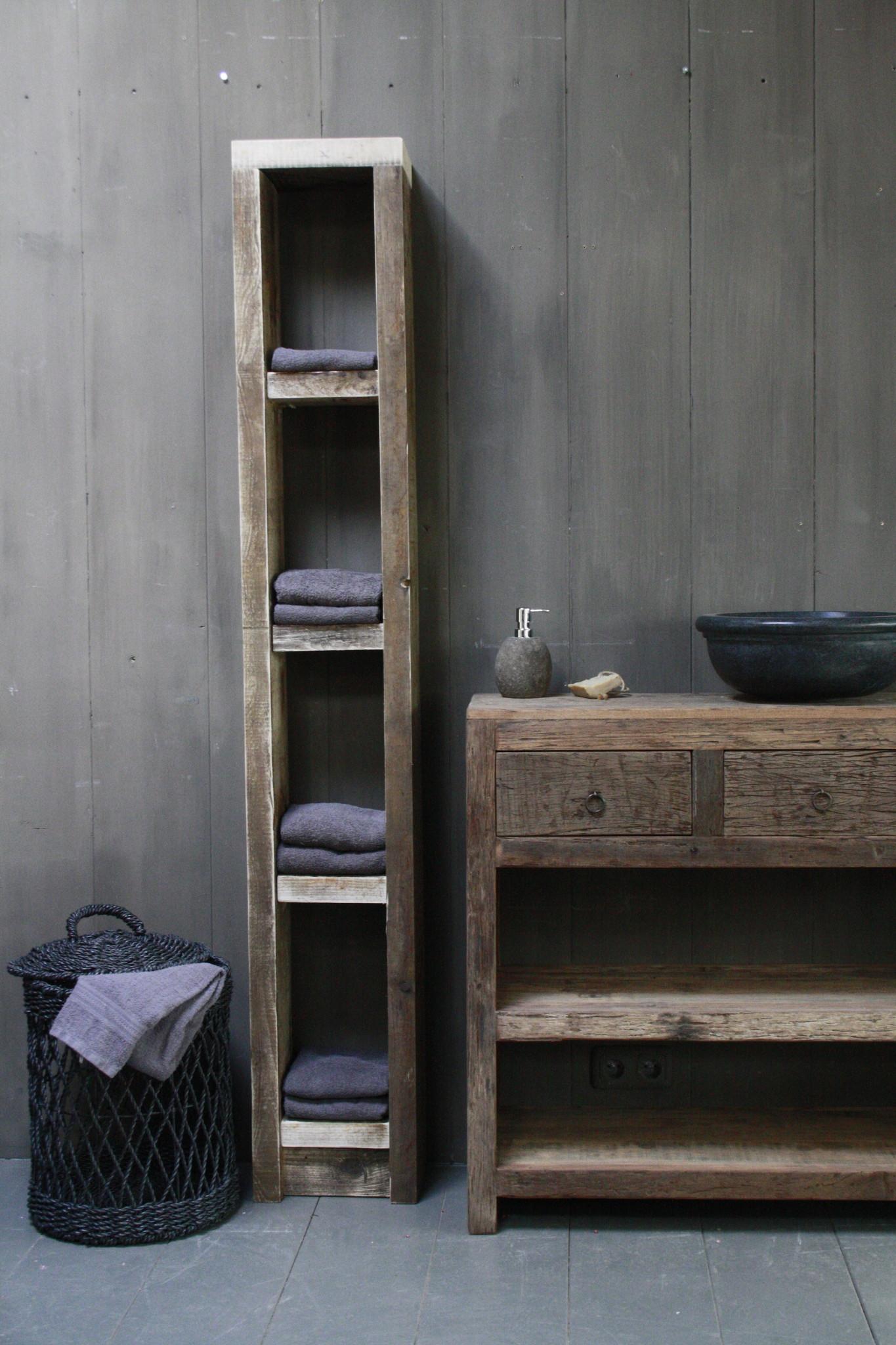 Massief oud houten badkamerkast/handdoekenkast-1