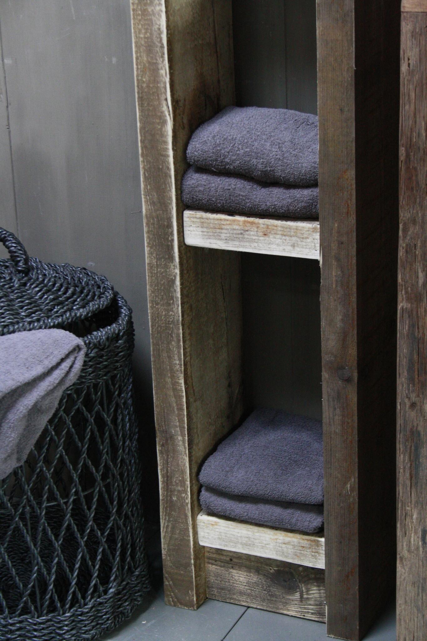 Massief oud houten badkamerkast/handdoekenkast-7