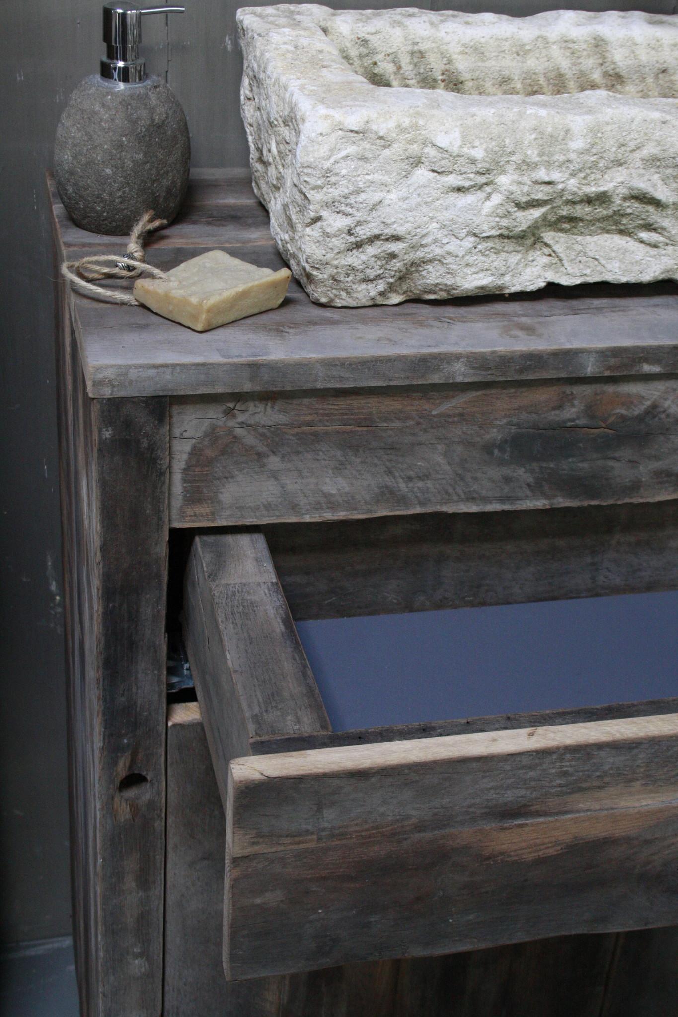Oud Eikenhouten Badkamermeubel 90 x 90 cm met lades en deurtjes-5