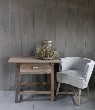 Aura Peeperkorn Oud authentiek houten tafeltje met lade H76 x B90,5