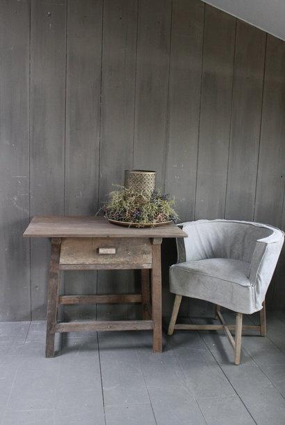 Oud authentiek houten tafeltje met lade H76 x B90,5
