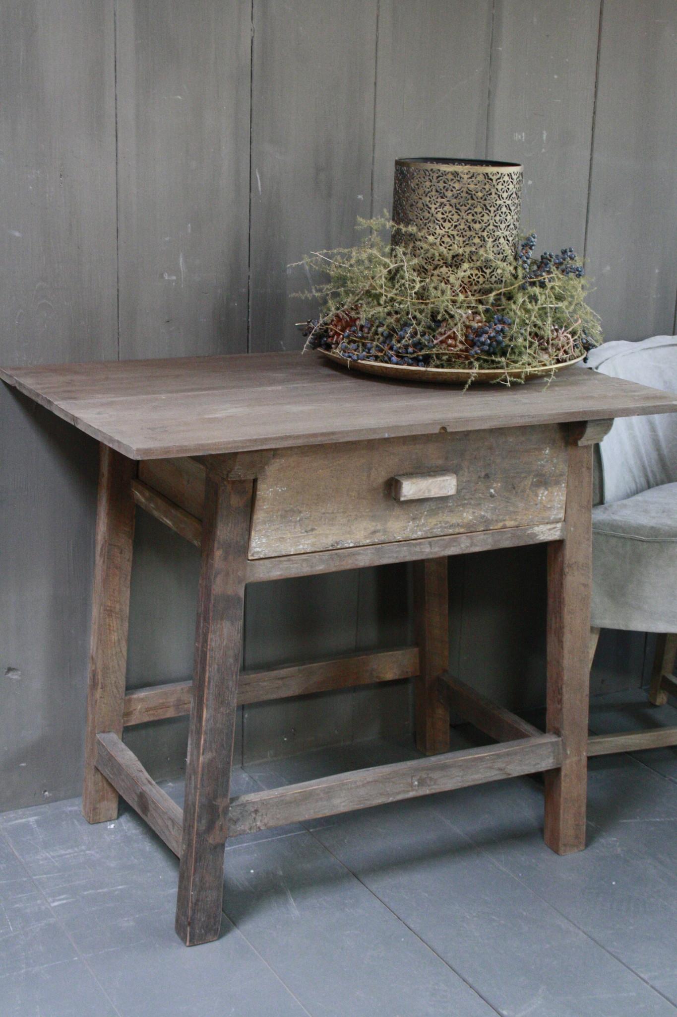 Oud authentiek houten tafeltje met lade H76 x B90,5-2