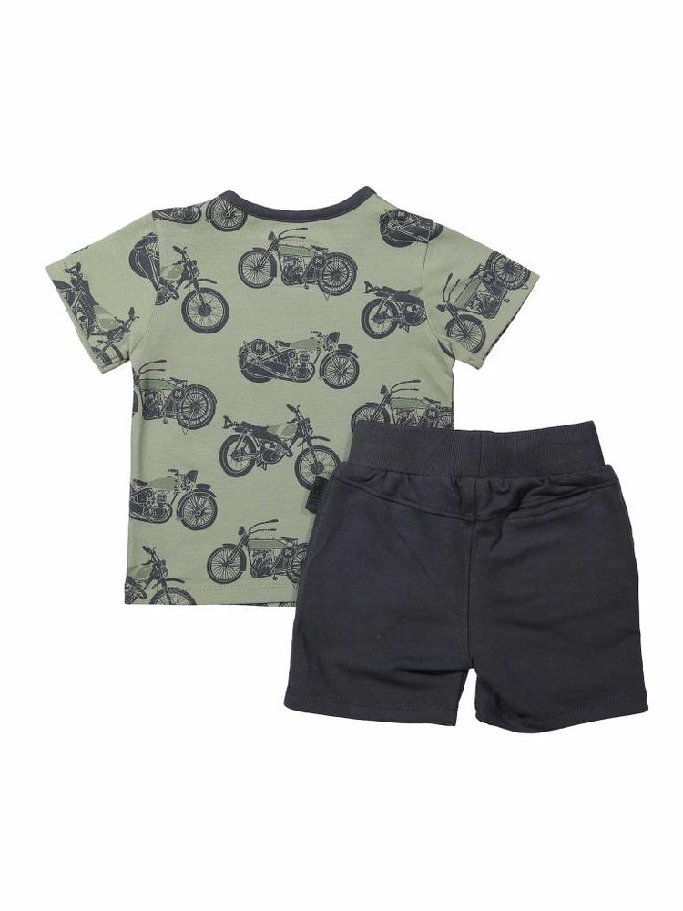 Boys 2-piece set with jogging shorts and T-shirt green | 37A-30851