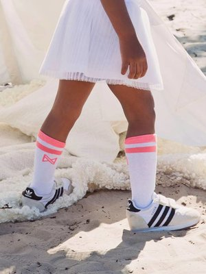 Girls socks white and neon pink