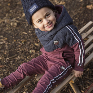Boys jogging pants with stripe
