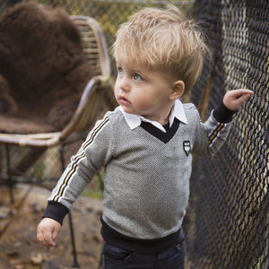 Boys sweater V-neck with collar