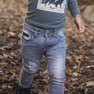 Jeans für Jungen mit braunem Label