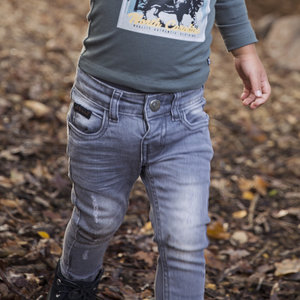 Jongens jeans grijs met bruin label