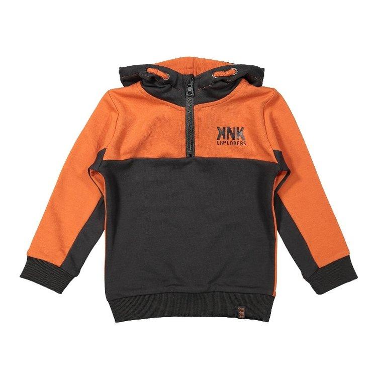 Koko Noko jongens sweater oranje donkergrijs met capuchon   F40871-37