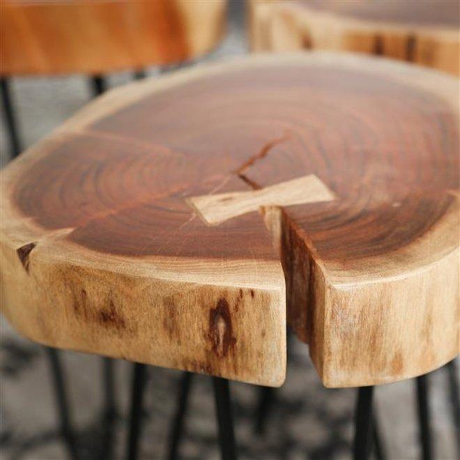 Bijzettafel stam in 6cm dik massief acacia voorzien van stalen frame  / Massief acacia naturel