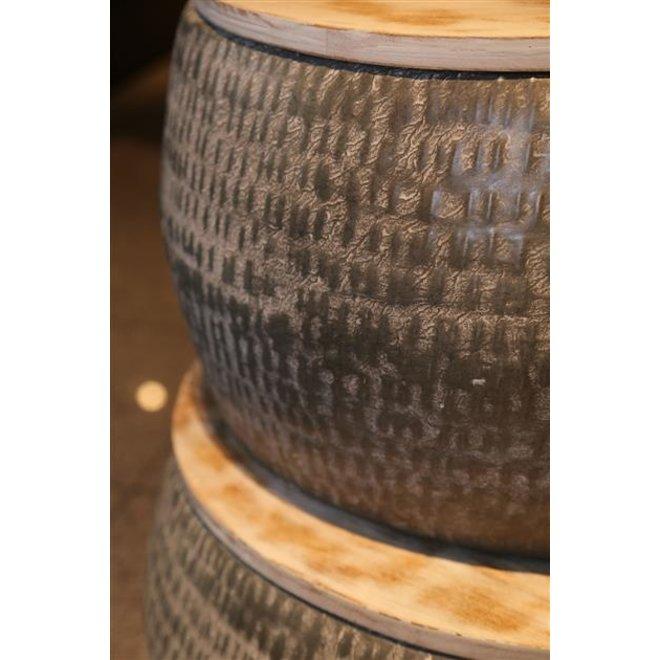 Salontafelset bestaande uit 2 ronde stalen tafels van Ø50cm en Ø60cm met gepatineerd massief mango blad. Tafels zijn samen verpakt. / Grijs