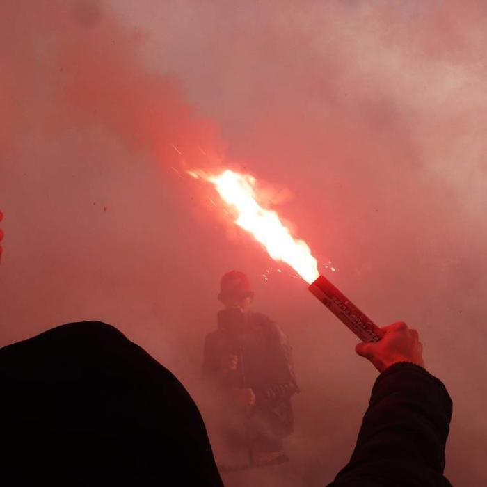Smoke & Flares