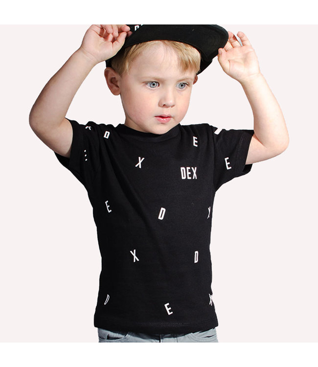"World of Mina Kids t-shirt //  ""dancing letters"" met naam"