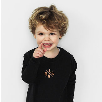 "World of Mina Kids Longsleeve t-shirt //  ""XOXO"" gepersonaliseerd"
