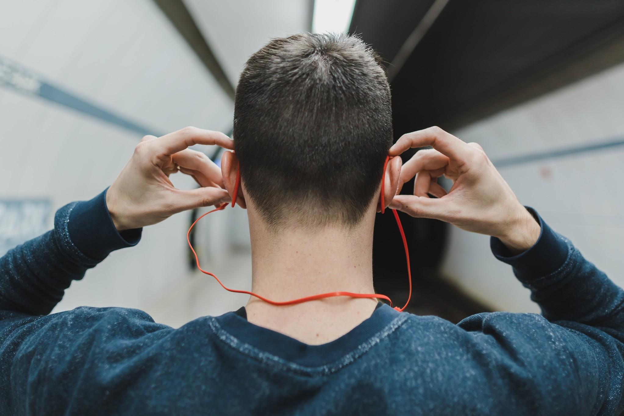 Voordelen van sporten met muziek op
