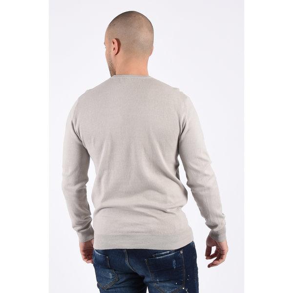 Y Knitwear classic round neck sweater light grey
