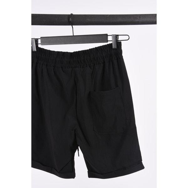 """Y UP Summer """"cem"""" stretch shorts Black"""