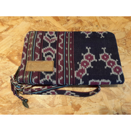 Curms Curms Clutch Travel Pouch Black/Purple