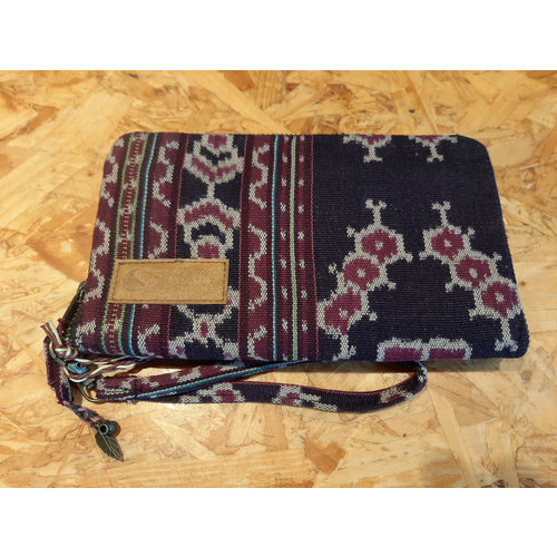 Curms Clutch Travel Pouch Black/Purple