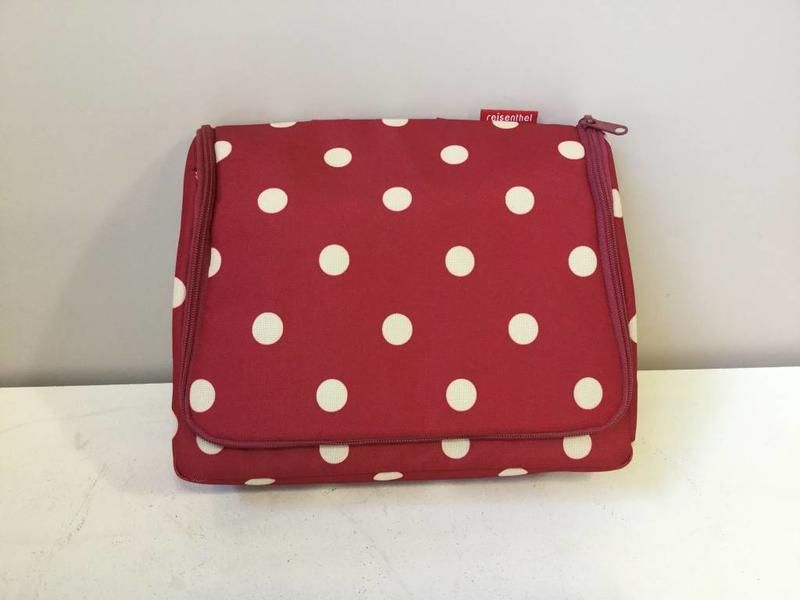 reisenthel toiletbag xl ruby dots - giftshop palace