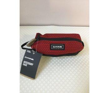 Dakine Accessory case rouge crimson- trousse