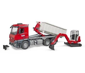 Bruder 03624 - MB Arocs truck met afrolcontainer en Schaeff graafmachine