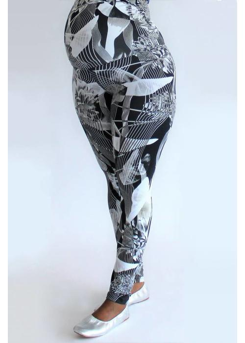 FemiWear FemiWear Maternity Yoga Legging - Black Flower