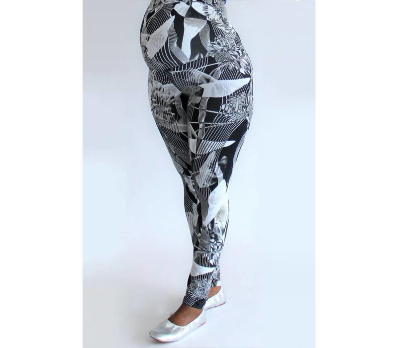 FemiWear Maternity Yoga Legging - Black Flower