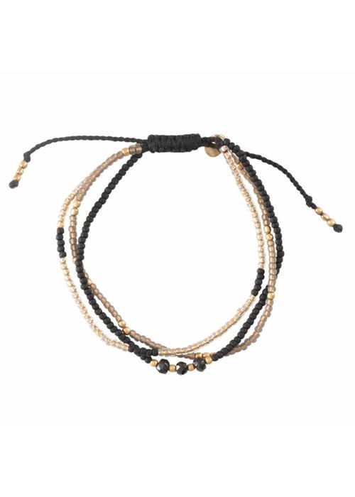 A Beautiful Story A Beautiful Story Winter Mixed Gouden Armband - Zwarte Onyx