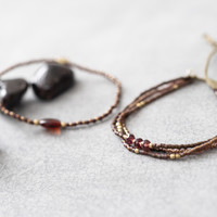 A Beautiful Story Gentle Gold Bracelet - Garnet