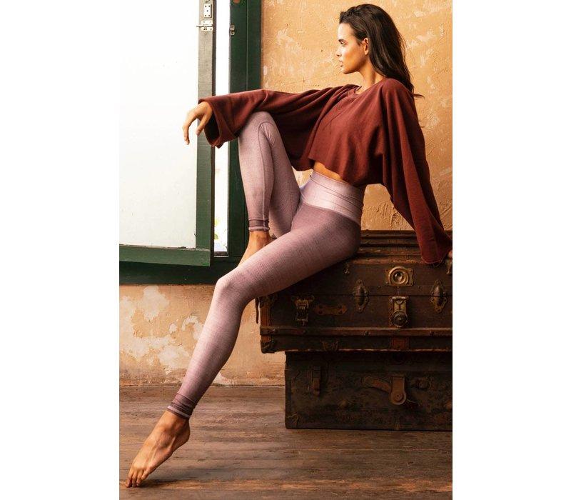 Niyama Sol Barefoot Legging - Lavender Latte