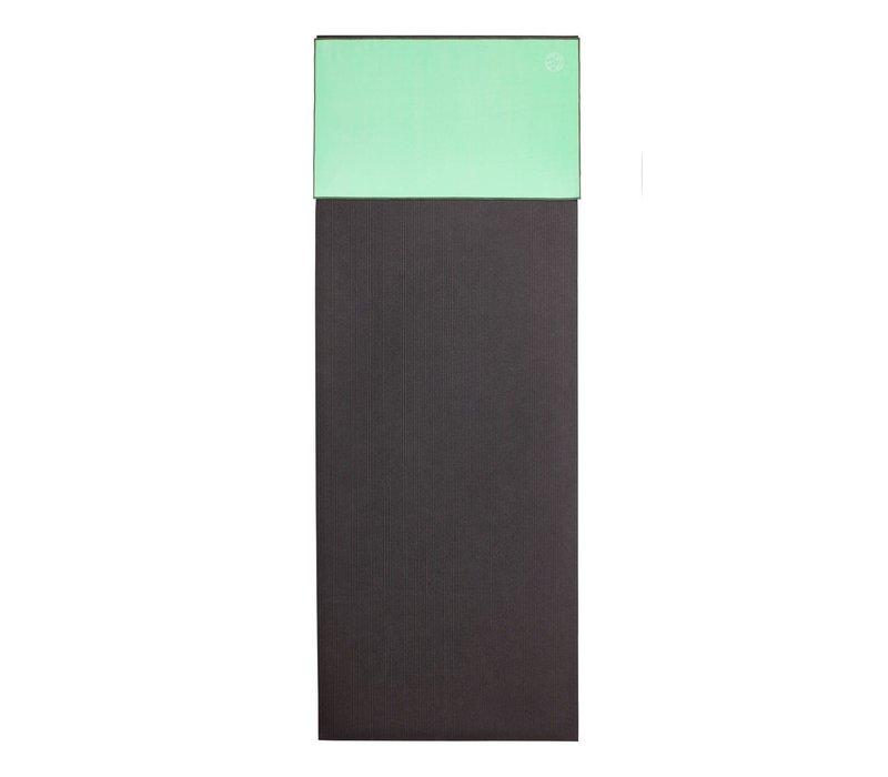 Manduka eQua Towel 40cm 67cm - Green Ash