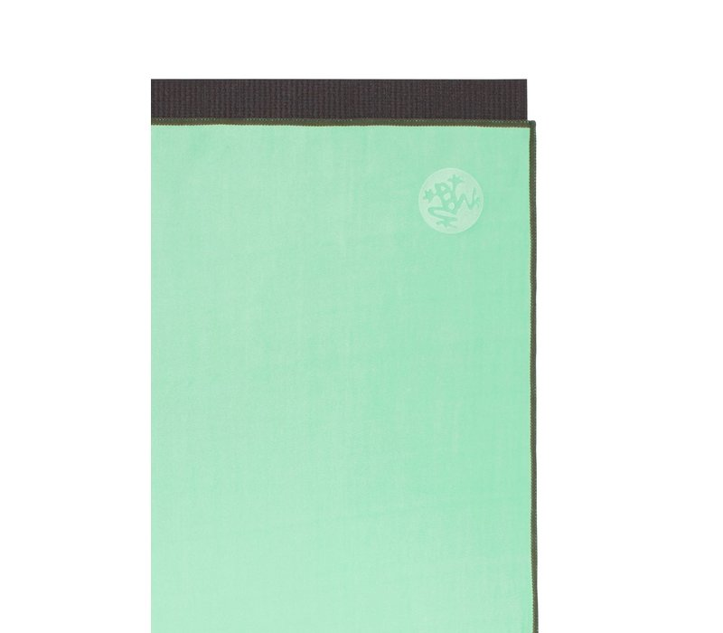 Manduka eQua Towel 182cm 67cm - Green Ash