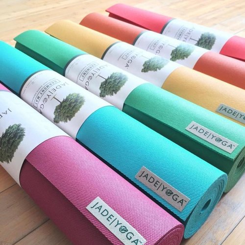 How to pick the right yoga mat?